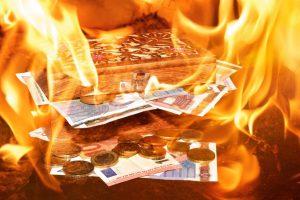 Verbranntes Geld für Werbung